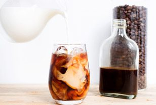 making cold brew coffee: nothing could be simpler