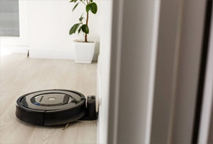 How do i know if my Roomba is charging